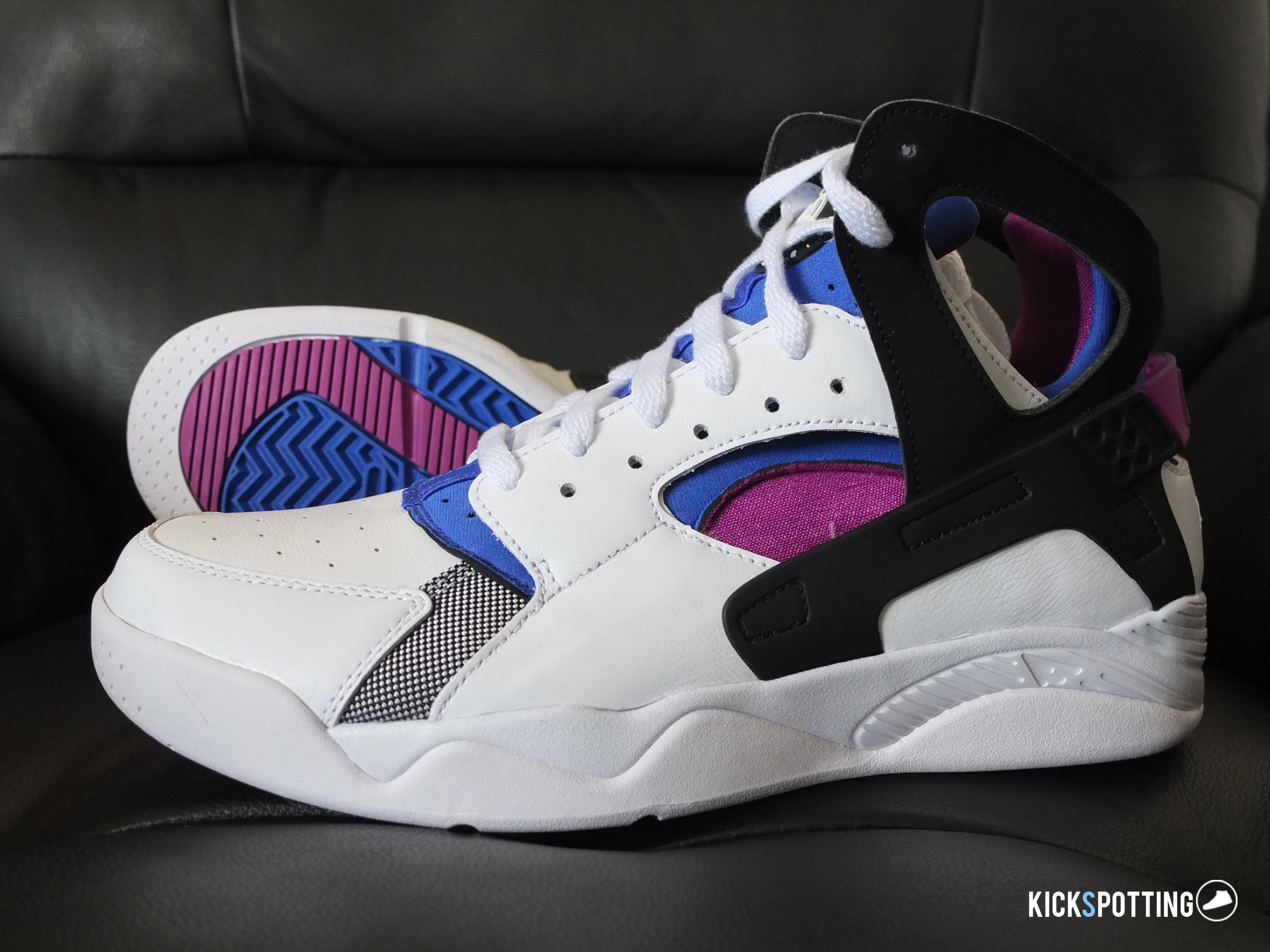 4a6076d33bdfd Performance Review  Nike Flight Huarache OG
