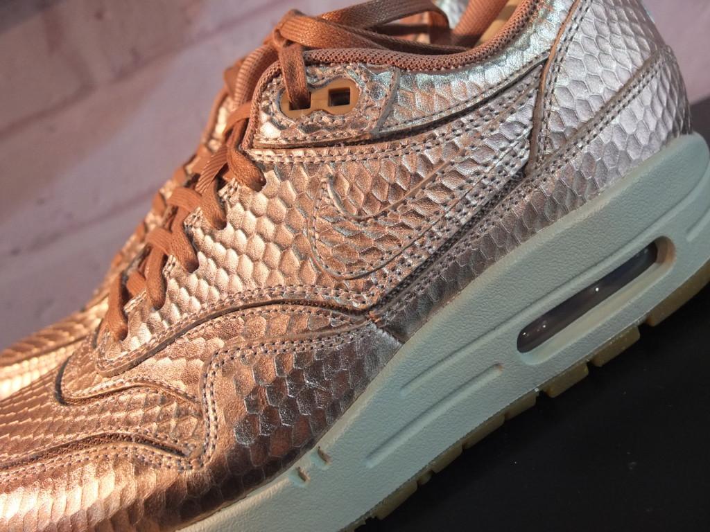 Nike Wmns Cut Out 'Bronze Snake' Pack | Kickspotting