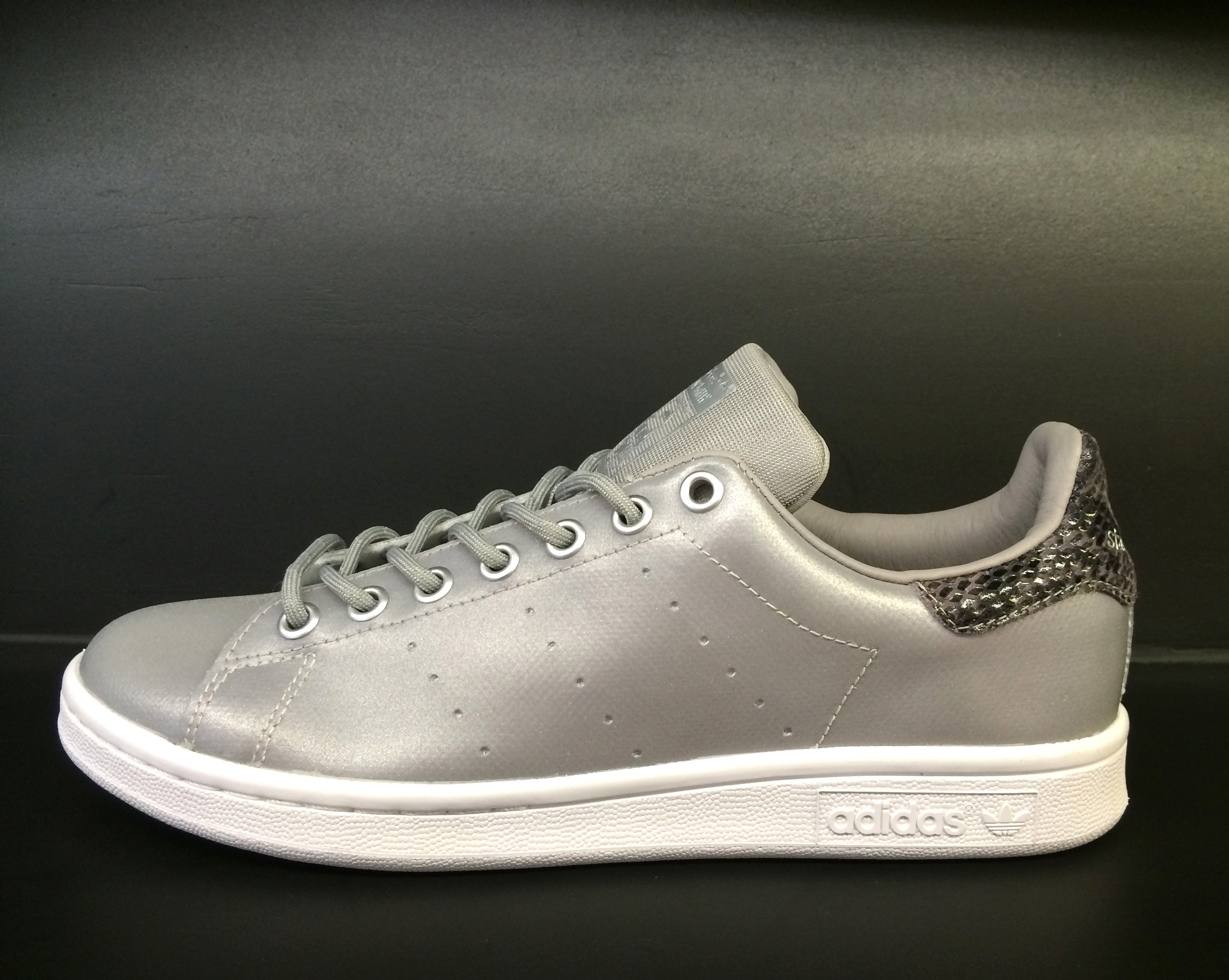 adidas stan smith silver reflective