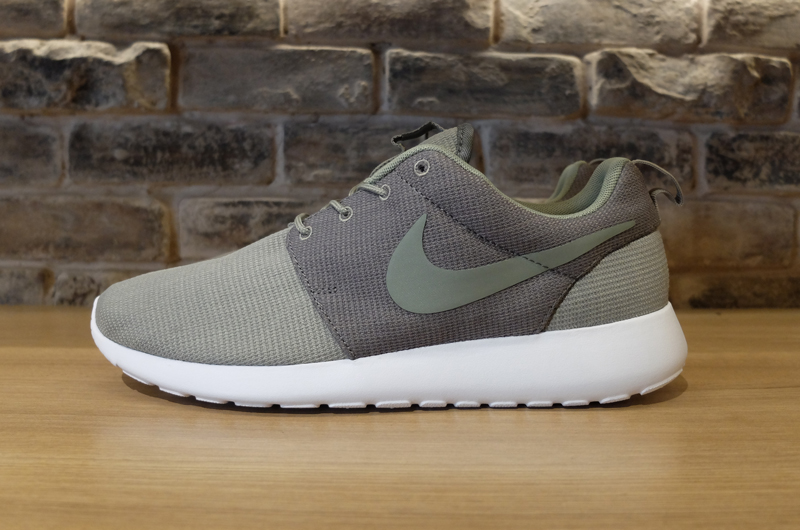 nike roshe run grey and green