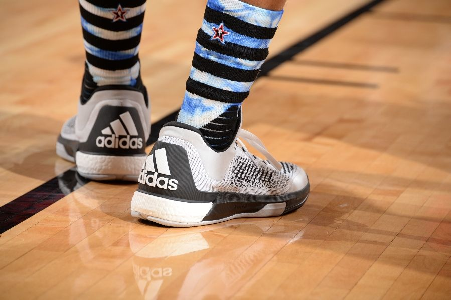 kyle-lowry-adidas-crazylight-boost-2015-03