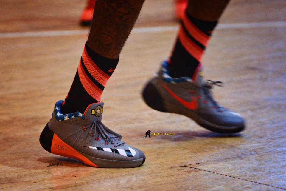 the best attitude d17d7 4ba15 Paul George in his new Nike Hyperdunk 2015 low PE | Kickspotting