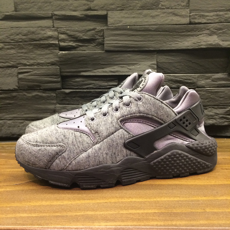 the best attitude e8a18 2ffab Nike Air Huarache Tech Fleece