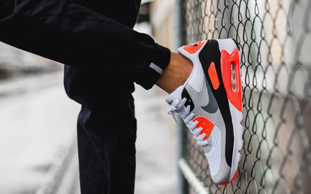 infrared-nike-air-max-90-ultra-essential-3